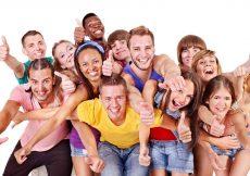 vakantie grote groep vrienden