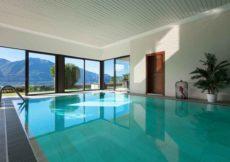 vakantiehuis met binnenzwembad