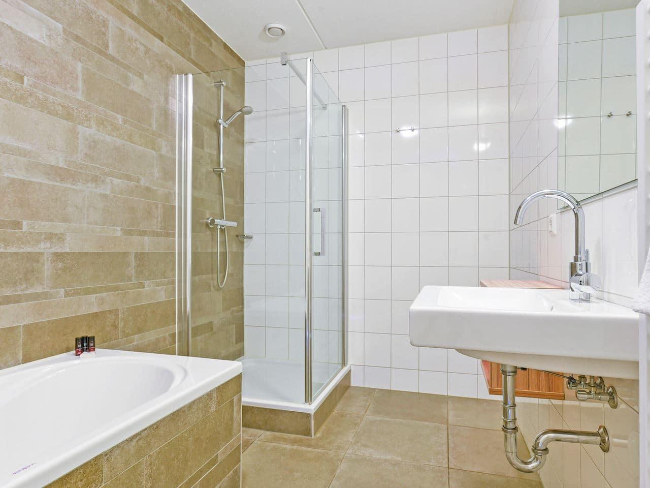 landal nieuwvliet bad 22c 22 personen nieuwvliet zeeland badkamer