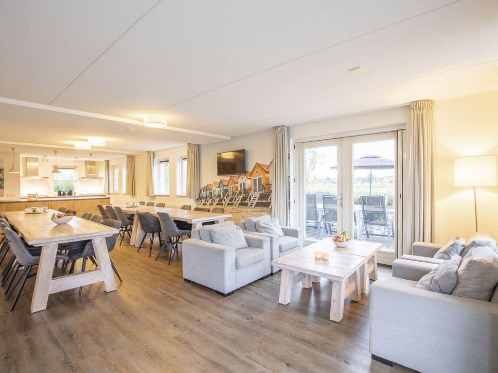 landal veluwemeer 22l 22 personen biddinghuizen flevoland woonkamer 1