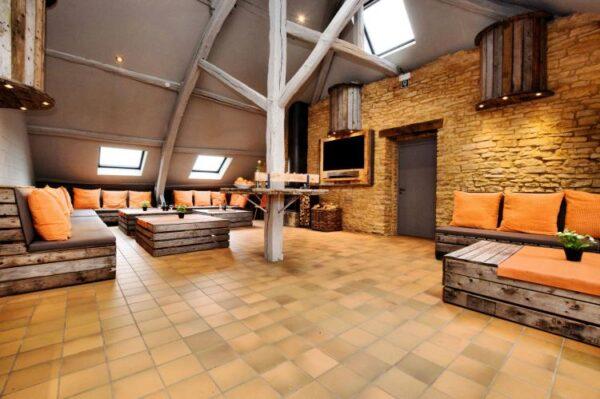 la gremille 50 personnes belgie ardennen 50 personen woonkamer