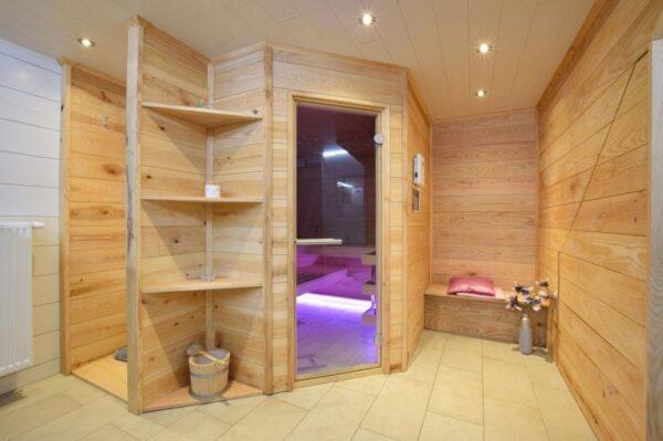 le petit baigneur belgie ardennen 31 personen sauna