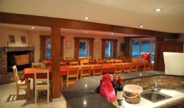 vakantiehuis ard1068 belgie belgisch luxemburg 24 personen keuken met bar