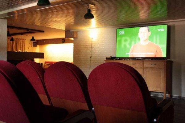 bungalowpark herperduin groepsvilla wevershof 20 4 nederland noord brabant 20 personen bioscoopruimte