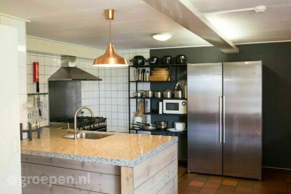 groepsaccommodatie zierikzee 22 personen nederland zeeland zierikzee keuken