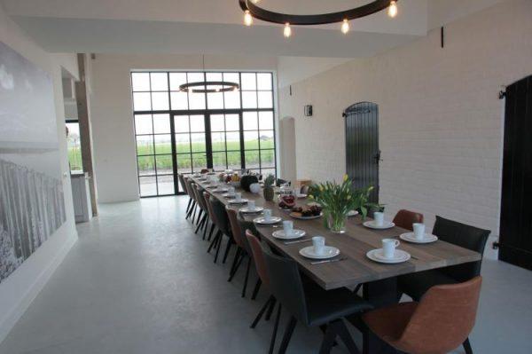 groot hof ter zand nederland zeeland 24 personen eettafel
