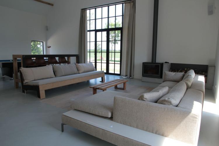 groot hof ter zand nederland zeeland 24 personen woonkamer