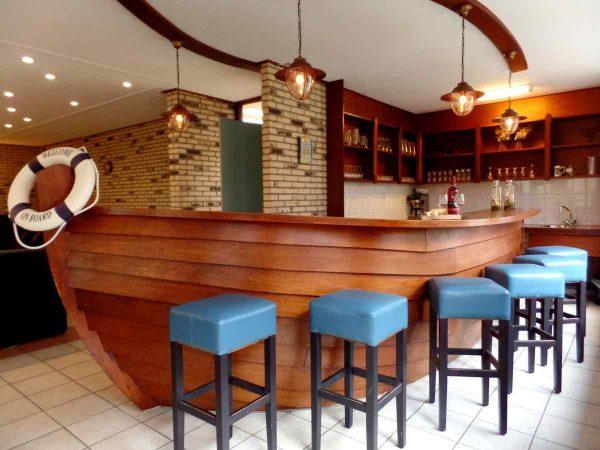 vakantiehuis ze270 nederland zeeland 34 personen bar