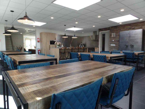 vakantiehuis ze272 nederland zeeland 23 personen eetkamer