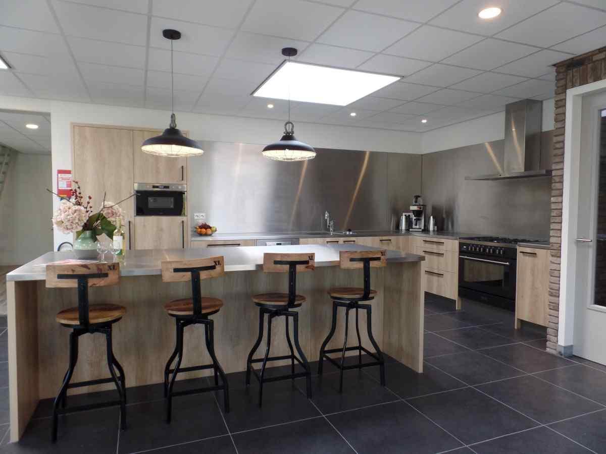 vakantiehuis ze272 nederland zeeland 23 personen keuken