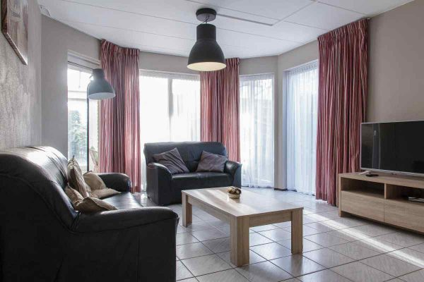 vakantiehuis ze326 nederland zeeland 20 personen zithoek
