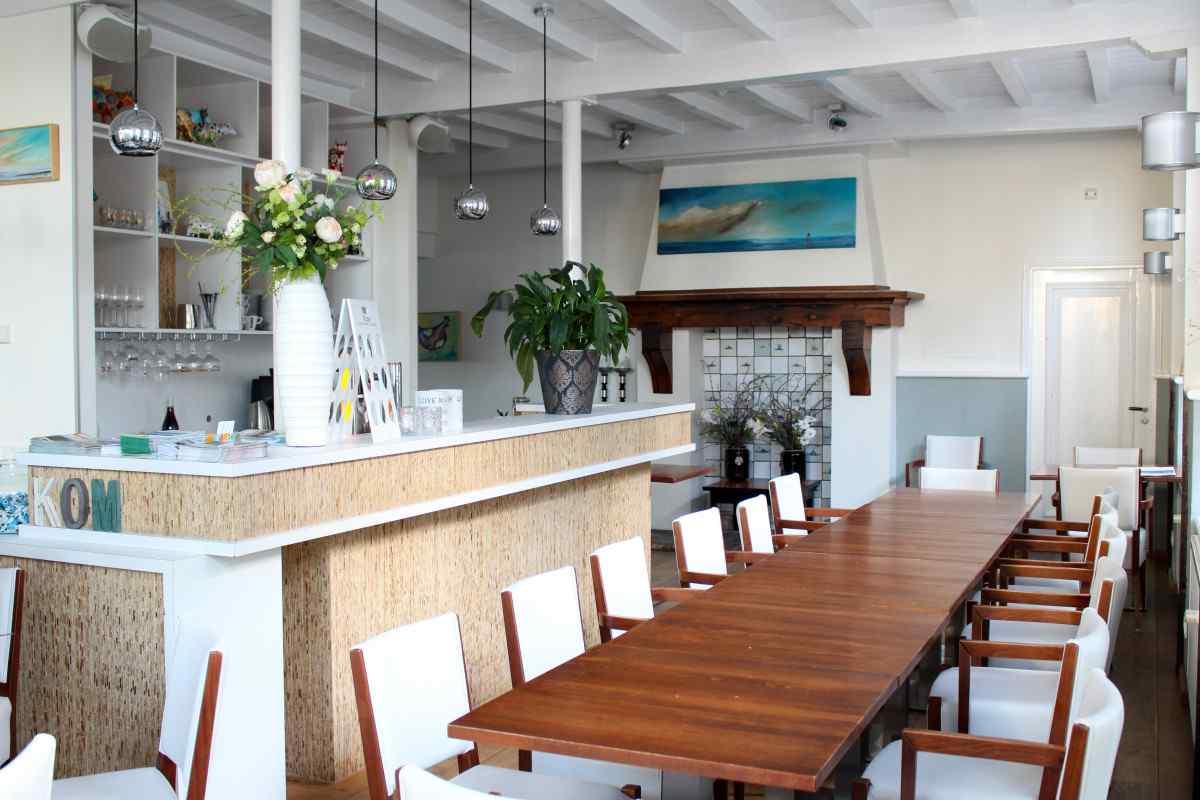 vakantiehuis ze501 nederland zeeland 25 personen eetkamer