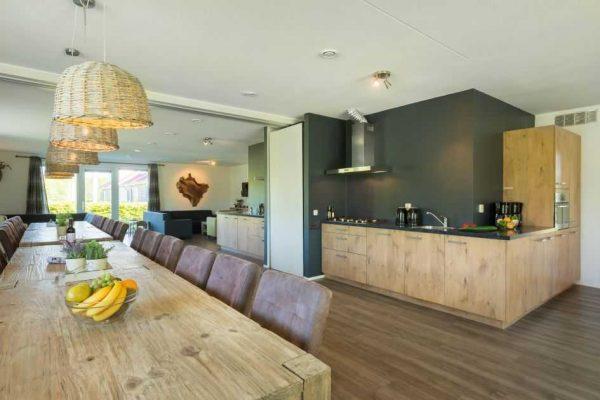 villapark de weerribben grote keizerlibel 24 nederland overijssel 24 personen keuken