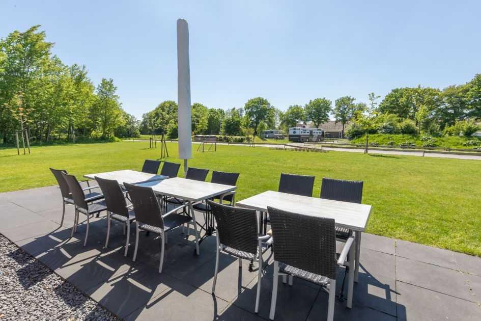 villapark de weerribben grote keizerlibel 24 nederland overijssel 24 personen terras